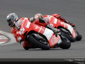 Difficult day for Ducati men