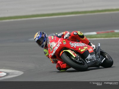 Lorenzo out to regain lead