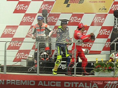 Mugello ´05 : Rossi incollable