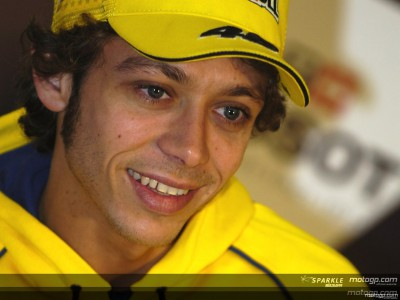 Rossi in Yamaha anche nel 2007
