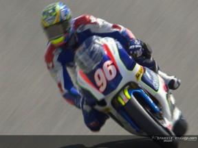 Espectacular performance dá pole provisória a Smrz nas 250cc