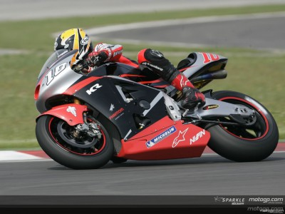 Roberts tops first free practice session