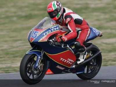 L'Aprilia di Locatelli tiene a bada le Honda di Takahashi e Dovizioso