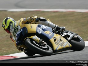 Rossi en pole position devant Hopkins et Roberts