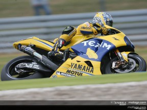 Edwards fastest on day one of MotoGP Practice