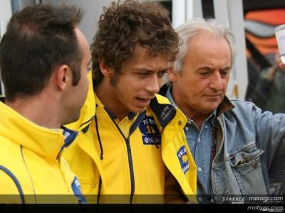 Rossi resiste a pesar del dolor