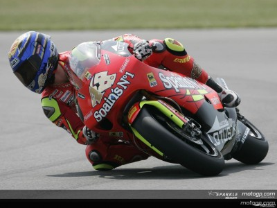Lorenzo takes second consecutive 250cc pole
