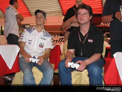 Riders get to grips with MotoGP '06
