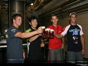Fahrer besuchen eine tschechische Brauerei