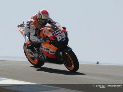 Topfahrer führen erstes MotoGP Training an
