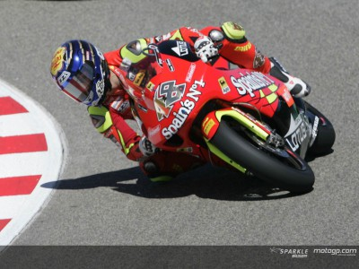 Lorenzo early leader in 250cc