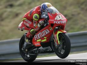 Lorenzo barre de nuevo y firma la pole position
