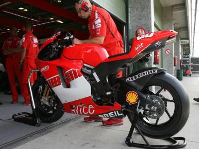 La Ducati Desmosedici GP07 ya rueda en Brno