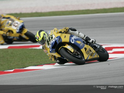 Rossi fights back as Pedrosa struggles