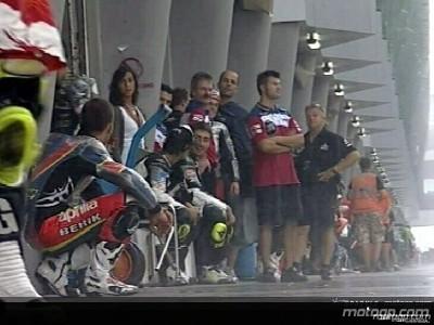 Fortes chuvas abatem-se sobre Sepang e atrasam qualificação de MotoGP