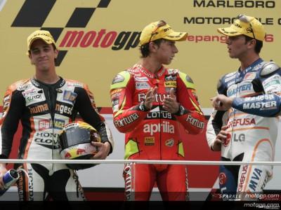 Lorenzo ganha a Dovizioso na Malásia