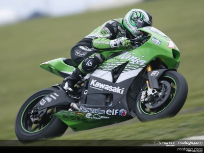 De Puniet surprises with fastest lap of day one