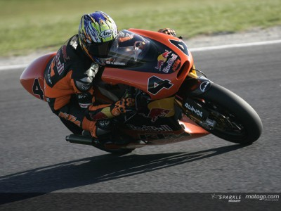 Aoyama brothers fastest in opening 250cc session