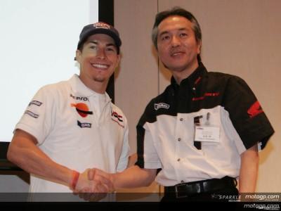 Hayden renueva con Repsol Honda