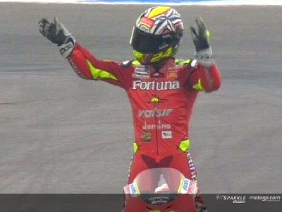 Elias takes victory as Hayden-Pedrosa collision gives advantage to Rossi