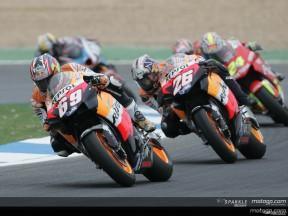 Lavoro di squadra Honda per fermare Rossi