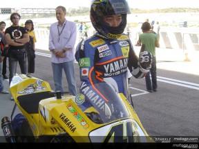 Yamaha representatives give final outing to 2006 M1