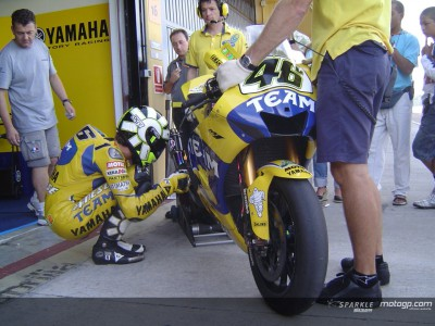 Rossi : « La 800cc progresse »