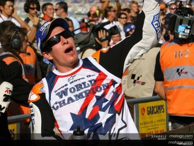 Hayden congratulated by Honda and Yamaha USA