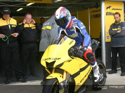 Guintoli fractures collarbone whilst testing in France