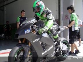 Olivier Jacque sale sulla Kawasaki 800cc