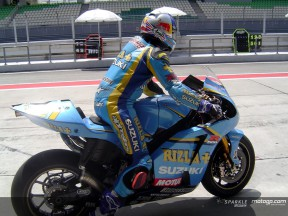 Day two in Sepang finishes with Suzuki on top