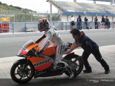 Simon e Aoyama in pista a Jerez con le Honda 250