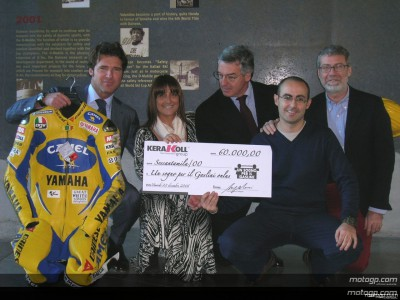Rossi leathers fetch 60,000 euros at auction