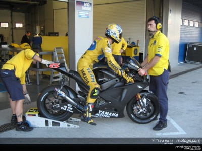 Testing resumes on first day in Sepang