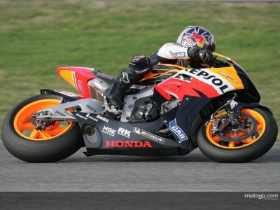 Pedrosa on pace after fog delayed start in Jerez