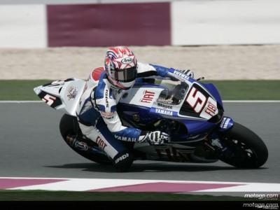 Yamaha pair maintain desert pace