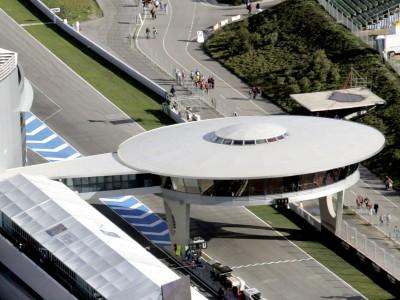 Carlos Checa, un giro sulla pista di Jerez