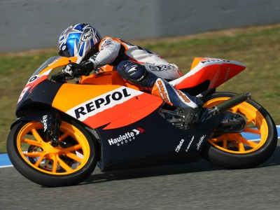 Smith sets early Le Mans 125cc pace