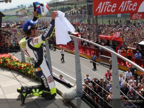 Rossi continues to rewrite history books