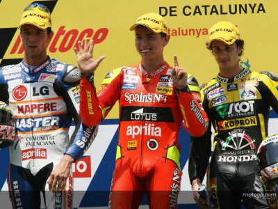 Lorenzo dominant in front of elated Barcelona crowd