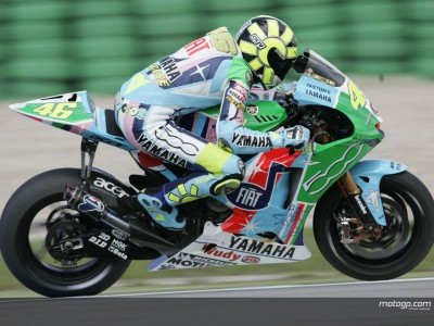Rossi could take Italy's 200th premier-class win