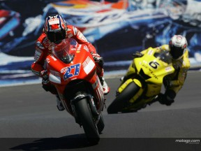 Laguna Seca qualifying sees Stoner on pole