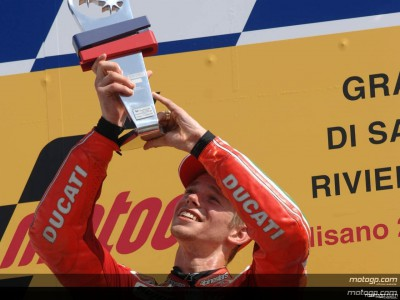 Stoner could take the title at Estoril