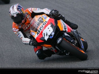 Pedrosa maintains momentum, Rossi bounces back