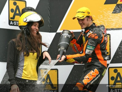 Kallio celebrates maiden 250cc victory