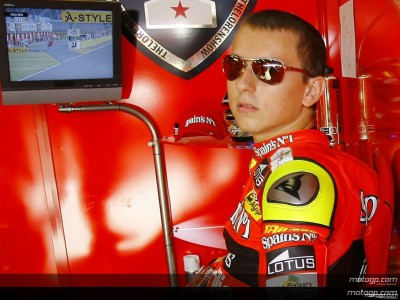 Lorenzo aims to seize second chance to retain crown