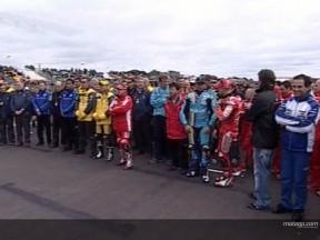 Paddock MotoGP faz um minuto de silêncio em homenagem a Norick Abe