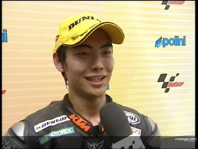 Aoyama festeggia la vittoria in Malesia