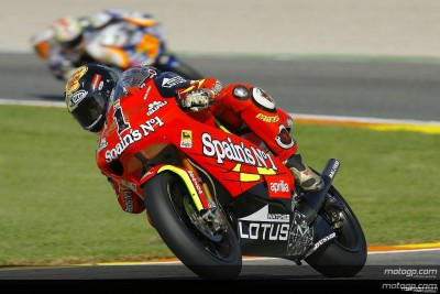 Lorenzo prosigue su recital