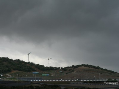 Wetter beeinträchtigt zweiten Tag der 250er und 125er Tests